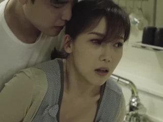 เกาหลี 18+ แอบมาเย็ดเมีย