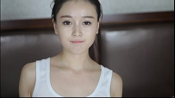 สาวเอเชียสวยหุ่นดีผิวขาว